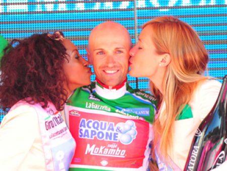 Garzelli conquista la maglia verde al Giro d'Italia 2011