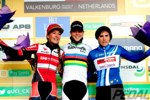 Valkenburg - Netherlands - wielrennen - cycling - radsport - cyclisme - Sophie De Boer - De Jong Thalita (Netherlands / Rabobank Liv Women Cycling Team) - Sanne Cant pictured during the Elite Women World Cup Race Cyclocross - Veldrijden in Valkenburg - photo Davy Rietbergen/Cor Vos © 2016