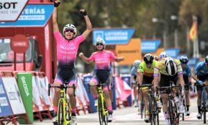 El equipo Valcar «domina» los sprints de la Vuelta femenina